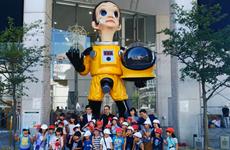"""Nhật Bản dỡ bức tượng """"Em bé Mặt Trời"""" gây tranh cãi tại Fukushima"""