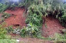 Sạt lở đất đá gây ách tắc nhiều tuyến đường tại tỉnh Hòa Bình
