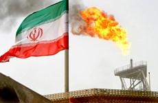 Giá dầu thế giới đi lên do lo ngại Iran giảm sản lượng khai thác