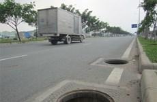Bắt quả tang hai đối tượng trộm nắp cống tại thành phố Biên Hòa
