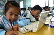 Hong Kong đề xuất giảm bớt bài kiểm tra, xóa bệnh thành tích
