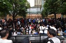 Apple Singapore hút khách bằng những chiếc iPhone XS đầu tiên