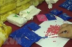 Bắt quả tang 4 đối tượng vận chuyển 54.000 viên ma túy tổng hợp