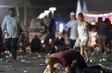 Tưởng niệm nạn nhân vụ xả súng đẫm máu ở Las Vegas 1 năm về trước