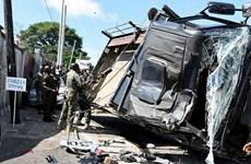 Lật xe quân sự ở Sierra Leone làm hơn 80 người thương vong