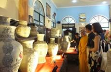 Trao Kỷ lục Việt Nam cho bộ Bách Bình bằng gốm với nhiều họa tiết
