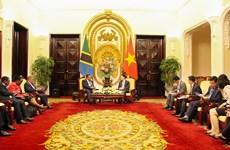 Việt Nam hỗ trợ Tanzania phát triển công nghệ thông tin-truyền thông