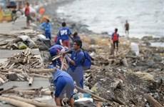 Bão Yutu hoành hành ở Philippines, 5 người chết và 30 người bị vùi lấp