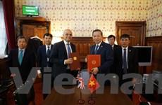 Việt Nam-Anh ký Bản ghi nhớ về hợp tác phòng, chống mua bán người