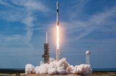 SpaceX phóng cùng lúc 64 vệ tinh lên vũ trụ bằng tên lửa Falcon 9