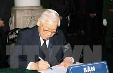 Hình ảnh lãnh đạo Đảng, Nhà nước ghi sổ tang đồng chí Nguyễn Văn Trân
