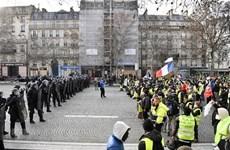Biểu tình tại Paris: Nhận diện những 'Áo vàng' quá khích