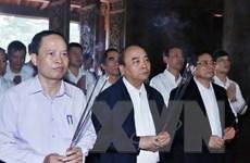 Thủ tướng dâng hương tại Khu di tích quốc gia đặc biệt Lam Kinh