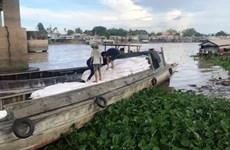 Phá đường dây buôn lậu trên sông, thu giữ gần 100 tấn hàng