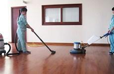 Hà Tĩnh: Dịch vụ lau dọn nhà đắt khách, giá cao dịp cận Tết