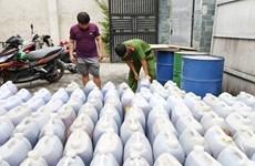 Bắt vụ vận chuyển, tàng trữ 14.000 lít mỡ động vật không rõ nguồn gốc