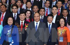 Thủ tướng gặp gỡ các kiều bào về nước dự chương trình Xuân Quê hương