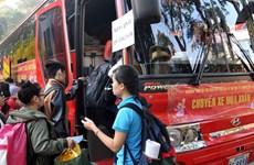 Những chuyến xe mùa Xuân đưa công nhân về quê đón Tết