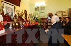 Thắp hương tưởng niệm nguyên Tổng Bí thư Lê Duẩn, Trường Chinh