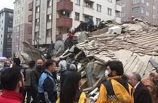 Sập nhà ở Thổ Nhĩ Kỳ khiến 1 người chết, 4 người vẫn mắc kẹt