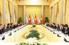 Hai nước Việt Nam và Argentina ký kết nhiều văn kiện hợp tác
