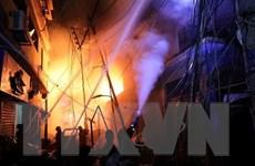 Số người thương vong trong vụ hỏa hoạn tại Bangladesh tăng cao