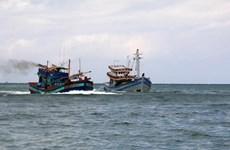 Cháy tàu cá trên biển trong đêm, 12 ngư dân được cứu thoát
