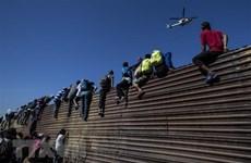 Mexico chỉ trích Mỹ đơn phương đưa người xin tị nạn sang biên giới