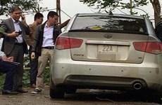 Truy bắt đối tượng nghi dùng súng cướp taxi khiến 1 người bị thương