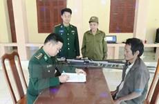 Người dân ở Quảng Bình tự nguyện giao nộp 13 súng tự chế