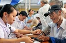 Bác sỹ 4 viện lớn khám bệnh miễn phí tại khu vực Tượng đài Lý Thái Tổ