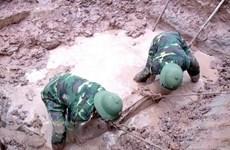 Phát hiện, thu gom bom Napalm còn sót lại sau chiến tranh tại Cà Mau