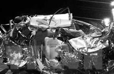 Xe du lịch va chạm xe tải ở Đồng Nai, ít nhất 5 người thương vong