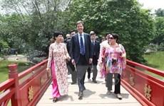 Mở rộng, làm sâu sắc hơn nữa mối quan hệ hợp tác Việt Nam-Hà Lan