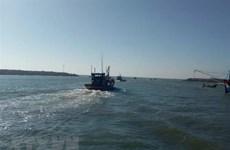 Hai thuyền viên mất tích khi đang đánh bắt hải sản trên biển