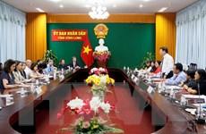 Đoàn trợ lý nghị sỹ Hoa Kỳ thăm và làm việc tại tỉnh Vĩnh Long