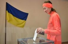 Bầu cử tổng thống Ukraine: Cử tri bắt đầu đi bầu vòng hai