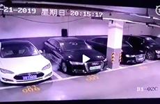 Tesla điều tra thông tin xe của hãng bốc cháy tại Thượng Hải