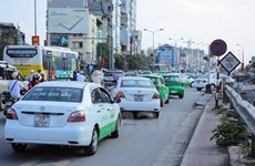 Giá xăng tăng 3 lần trong hơn 1 tháng: Cước vận tải khó chống đỡ