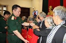 Đoàn đại biểu 'Đội quân tóc dài' tỉnh Bến Tre thăm Bộ Quốc phòng