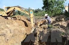 Đào tìm cống xả thải ngầm hướng ra sông La Ngà ở Đồng Nai