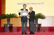 Trao Huân chương của Chủ tịch nước Lào cho một số tập thể, cá nhân