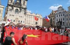 Sắc màu Việt Nam bừng sáng trong Lễ hội các dân tộc thiểu số tại Séc