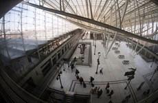Pháp: Hành khách hoảng loạn vì mắc kẹt nhiều giờ trong tàu cao tốc