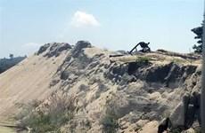 Chấn chỉnh tình trạng khai thác cát, sỏi trái phép tại sông A Lin