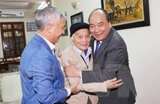 Giáo sư Hoàng Tụy: Một tấm gương về tài năng và nhân cách