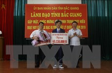 Bắc Giang khen thưởng học sinh đoạt huy chương bạc Olympic Vật lý