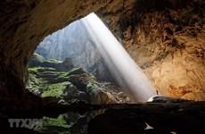 Khám phá bí ẩn bất tận ở 'Vương quốc hang động' Quảng Bình