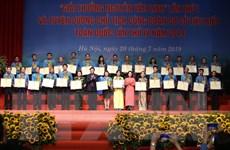 10 cán bộ công đoàn vinh dự nhận Giải thưởng Nguyễn Văn Linh