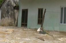Ảnh hưởng hoàn lưu bão số 3, nhiều nhà dân ở Sơn La bị ngập sâu